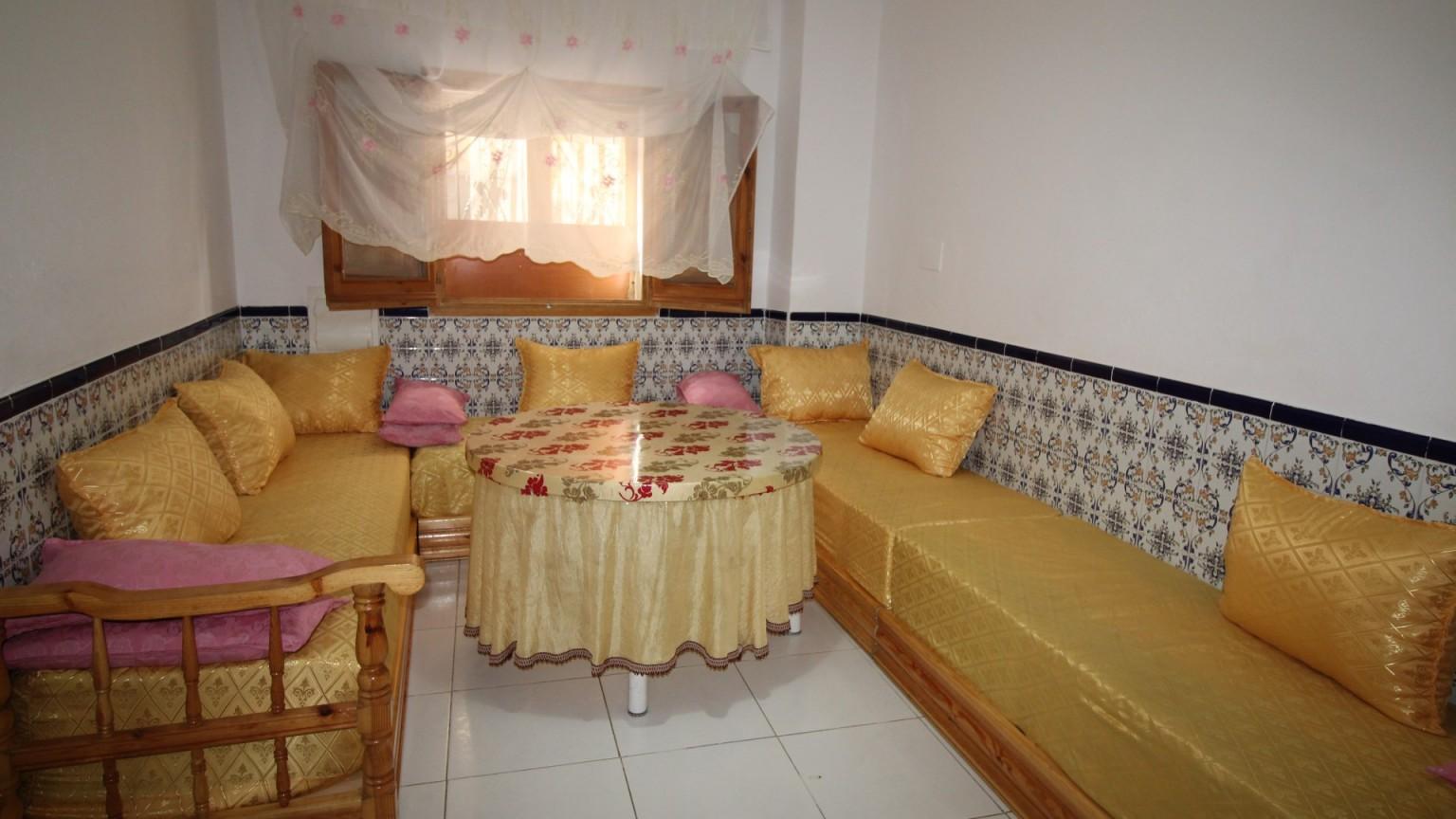 Casa adosada en venta, de 4 habitaciones, con terraza, en Vilafant.